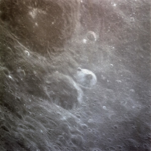 AS11-36-5432